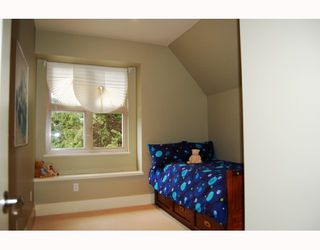 """Photo 8: 875 W 24TH Avenue in Vancouver: Cambie House for sale in """"DOUGLAS PARK"""" (Vancouver West)  : MLS®# V722900"""