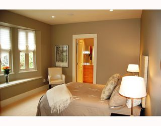 """Photo 6: 875 W 24TH Avenue in Vancouver: Cambie House for sale in """"DOUGLAS PARK"""" (Vancouver West)  : MLS®# V722900"""