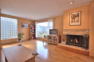 "Photo 4: 6B 766 W 7TH Avenue in Vancouver: Fairview VW Townhouse for sale in ""THE WILLOW COURT"" (Vancouver West)  : MLS®# V738197"