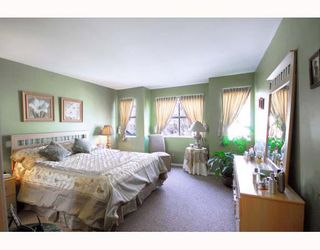 """Photo 9: A2 925 TOBRUCK Avenue in North Vancouver: Hamilton Townhouse for sale in """"KENSIGATON GARDENS"""" : MLS®# V762629"""