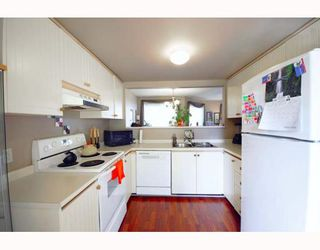 """Photo 8: A2 925 TOBRUCK Avenue in North Vancouver: Hamilton Townhouse for sale in """"KENSIGATON GARDENS"""" : MLS®# V762629"""