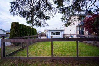 Photo 2: 34705 4TH Avenue in Abbotsford: Poplar House for sale : MLS®# R2452396