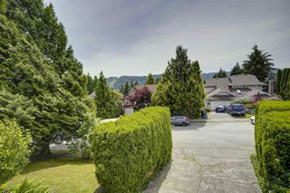 Photo 2: 2557 PEREGRINE PLACE in Coquitlam: Upper Eagle Ridge House for sale : MLS®# R2467956