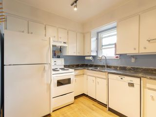 Photo 17: 2437 W 6TH Avenue in Vancouver: Kitsilano Townhouse for sale (Vancouver West)  : MLS®# R2484664