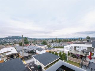 Photo 3: 18 N ELLESMERE Avenue in Burnaby: Capitol Hill BN House for sale (Burnaby North)  : MLS®# R2499845