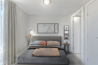 """Photo 5: 903 565 SMITHE Street in Vancouver: Downtown VW Condo for sale in """"VITA AT SYMPHONY PLACE"""" (Vancouver West)  : MLS®# R2503955"""