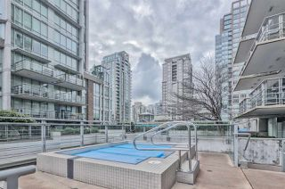 """Photo 18: 903 565 SMITHE Street in Vancouver: Downtown VW Condo for sale in """"VITA AT SYMPHONY PLACE"""" (Vancouver West)  : MLS®# R2503955"""
