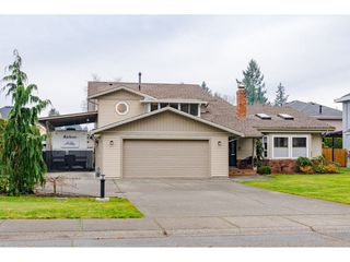 """Photo 2: 21021 43 Avenue in Langley: Brookswood Langley House for sale in """"Cedar Ridge"""" : MLS®# R2521660"""