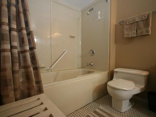 Photo 17: 423 1505 8 Avenue NW in CALGARY: Hillhurst Condo for sale (Calgary)  : MLS®# C3421521