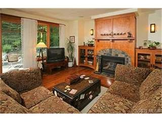 Photo 3:  in VICTORIA: SE Cordova Bay Single Family Detached for sale (Saanich East)  : MLS®# 442173