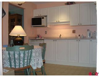 "Photo 4: 115 3172 GLADWIN Road in Abbotsford: Central Abbotsford Condo for sale in ""REGENCY PARK"" : MLS®# F2910536"