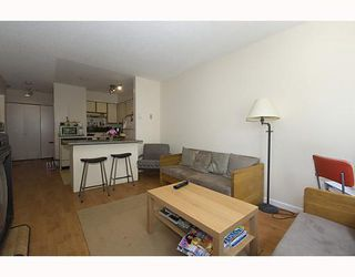 "Photo 3: 105 921 THURLOW Street in Vancouver: West End VW Condo for sale in ""KRISTOFF PLACE"" (Vancouver West)  : MLS®# V774226"