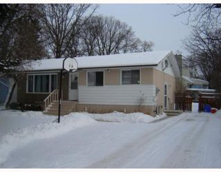 Photo 1: 793 LAXDAL Road in WINNIPEG: Charleswood Residential for sale (South Winnipeg)  : MLS®# 2822685