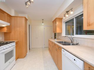 Photo 6: 2535 Wentwich Road in VICTORIA: La Mill Hill Single Family Detached for sale (Langford)  : MLS®# 421035
