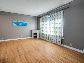 Photo 3: 8724 89 Avenue in Edmonton: Zone 18 House for sale : MLS®# E4187395