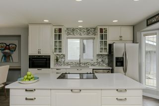 Photo 3: 9 EVERGREEN Drive: St. Albert House for sale : MLS®# E4196324