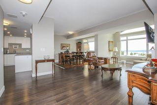 """Photo 5: 812 15333 16 Avenue in Surrey: King George Corridor Condo for sale in """"THE RESIDENCE OF ABBY LANE"""" (South Surrey White Rock)  : MLS®# R2455911"""