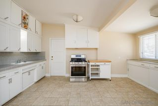 Photo 6: BAY PARK House for sale : 3 bedrooms : 1550 Bervy St in San Diego