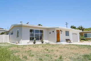 Photo 2: BAY PARK House for sale : 3 bedrooms : 1550 Bervy St in San Diego