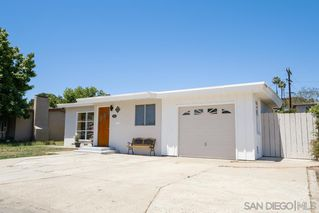 Photo 4: BAY PARK House for sale : 3 bedrooms : 1550 Bervy St in San Diego