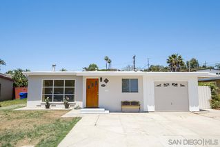 Photo 3: BAY PARK House for sale : 3 bedrooms : 1550 Bervy St in San Diego