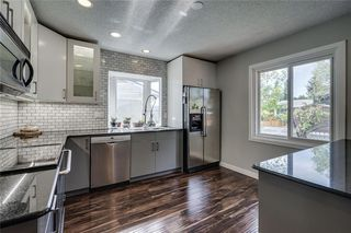 Photo 12: 1019 CANTABRIAN Drive SW in Calgary: Canyon Meadows Detached for sale : MLS®# C4301708
