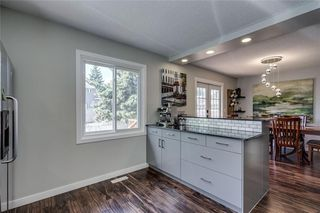 Photo 11: 1019 CANTABRIAN Drive SW in Calgary: Canyon Meadows Detached for sale : MLS®# C4301708