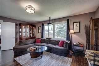 Photo 4: 1019 CANTABRIAN Drive SW in Calgary: Canyon Meadows Detached for sale : MLS®# C4301708