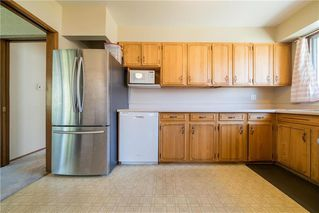 Photo 9: 51 Tamworth Bay in Winnipeg: Fort Richmond Residential for sale (1K)  : MLS®# 202015985