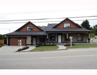 "Photo 1: 390 55TH Street in Tsawwassen: Pebble Hill House 1/2 Duplex for sale in ""PEBBLE HILL"" : MLS®# V807633"