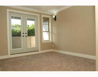 "Photo 8: 390 55TH Street in Tsawwassen: Pebble Hill House 1/2 Duplex for sale in ""PEBBLE HILL"" : MLS®# V807633"