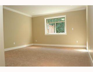 "Photo 7: 390 55TH Street in Tsawwassen: Pebble Hill House 1/2 Duplex for sale in ""PEBBLE HILL"" : MLS®# V807633"
