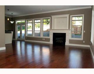 "Photo 5: 390 55TH Street in Tsawwassen: Pebble Hill House 1/2 Duplex for sale in ""PEBBLE HILL"" : MLS®# V807633"