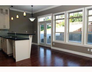 "Photo 4: 390 55TH Street in Tsawwassen: Pebble Hill House 1/2 Duplex for sale in ""PEBBLE HILL"" : MLS®# V807633"