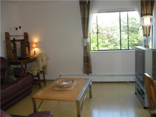"Photo 4: 204 830 E 7TH Avenue in Vancouver: Mount Pleasant VE Condo for sale in ""FAIRFAX"" (Vancouver East)  : MLS®# V827665"