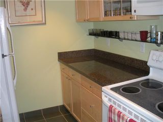 "Photo 9: 204 830 E 7TH Avenue in Vancouver: Mount Pleasant VE Condo for sale in ""FAIRFAX"" (Vancouver East)  : MLS®# V827665"
