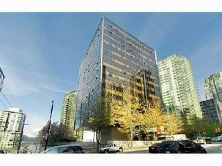 """Photo 1: 1414 1333 W GEORGIA Street in Vancouver: Coal Harbour Condo for sale in """"THE QUBE"""" (Vancouver West)  : MLS®# V831474"""