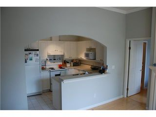 "Photo 5: 202 2588 ALDER Street in Vancouver: Fairview VW Condo for sale in ""BOLLERT PLACE"" (Vancouver West)  : MLS®# V839025"