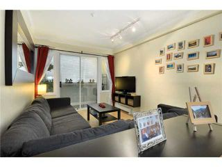 "Photo 2: 104 2036 YORK Avenue in Vancouver: Kitsilano Condo for sale in ""THE CHARLESTON"" (Vancouver West)  : MLS®# V867310"