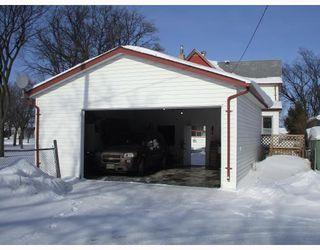 Photo 9: 314 KILDARE Avenue West in WINNIPEG: Transcona Residential for sale (North East Winnipeg)  : MLS®# 2901523