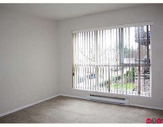 """Photo 5: 202 5499 203RD Street in Langley: Langley City Condo for sale in """"PIONEER PLACE"""" : MLS®# F2908317"""