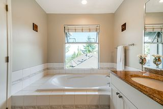 Photo 6: 28 2951 PANORAMA Drive in Coquitlam: Westwood Plateau Townhouse for sale : MLS®# R2396991