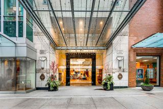 """Main Photo: 2104 837 W HASTINGS Street in Vancouver: Downtown VW Condo for sale in """"TERMINAL CITY CLUB"""" (Vancouver West)  : MLS®# R2398192"""