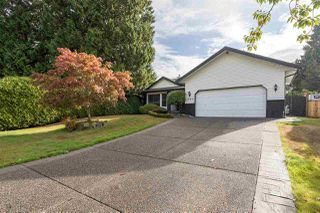 Main Photo: 1086 163A Street in Surrey: King George Corridor House for sale (South Surrey White Rock)  : MLS®# R2415472