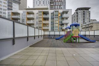 "Photo 17: 2505 1199 SEYMOUR Street in Vancouver: Downtown VW Condo for sale in ""Brava"" (Vancouver West)  : MLS®# R2420460"
