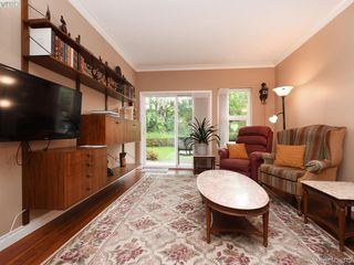 Photo 2: 112 1485 Garnet Rd in VICTORIA: SE Cedar Hill Condo for sale (Saanich East)  : MLS®# 840005