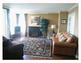 """Photo 3: 1804 1500 HOWE Street in Vancouver: False Creek North Condo for sale in """"DISCOVERY"""" (Vancouver West)  : MLS®# V788332"""