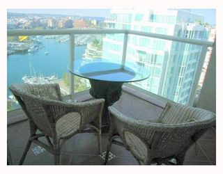 """Photo 7: 1804 1500 HOWE Street in Vancouver: False Creek North Condo for sale in """"DISCOVERY"""" (Vancouver West)  : MLS®# V788332"""