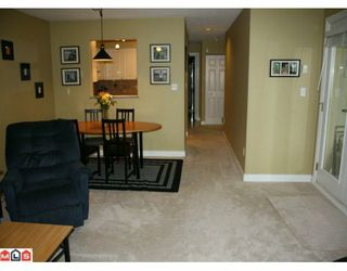 "Photo 3: 205 33675 MARSHALL Road in Abbotsford: Central Abbotsford Condo for sale in ""Huntingdon"" : MLS®# F1005601"