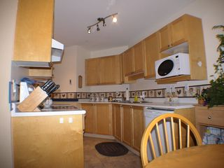 "Photo 4: 208 5450 208TH Street in Langley: Langley City Condo for sale in ""MONTGOMERY GATE"" : MLS®# F1022244"